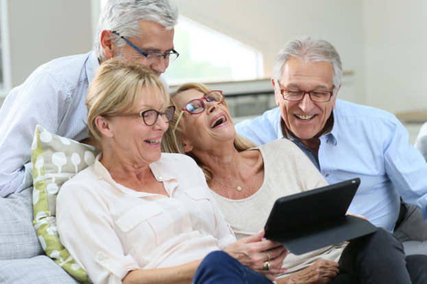 How Socialization Can Benefit Your Aging Loved One